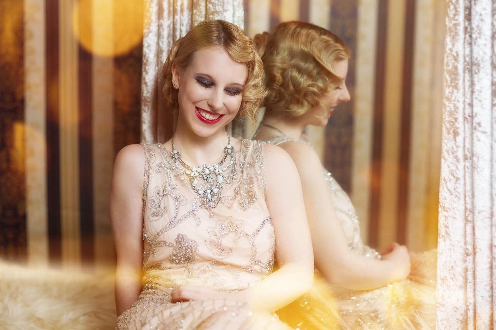 Halbportrait-Fotostudio-Dresden-Fotograf-20iger Jahre-Shooting-Dress