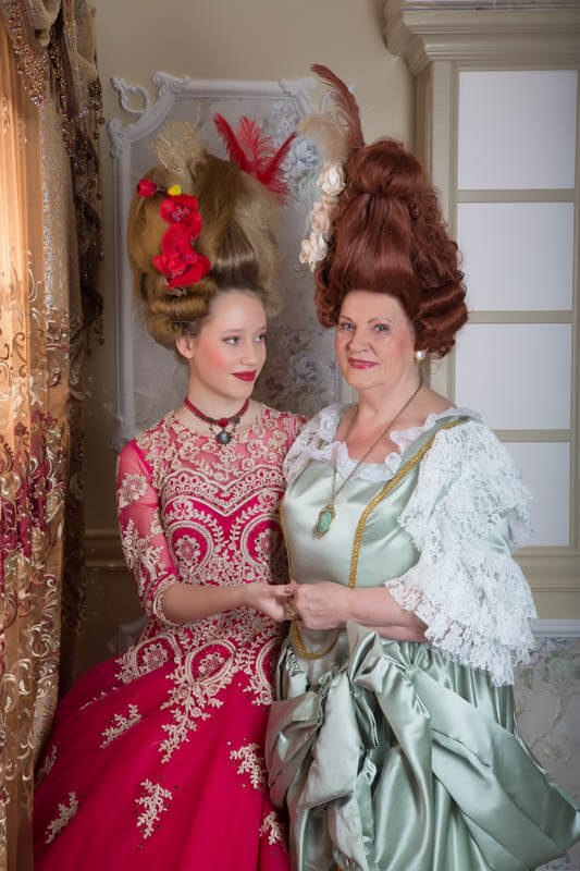 Fotoshooting Barock Inklusive Kleider Haarstyling Und Make Up