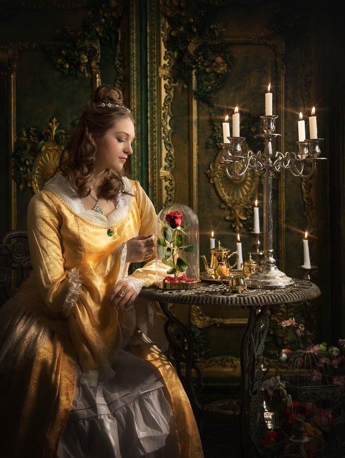 Fotostudio-Dresden-Beauty-Kleid-Styling-Make up-Schmuck-Kerzen-Tisch