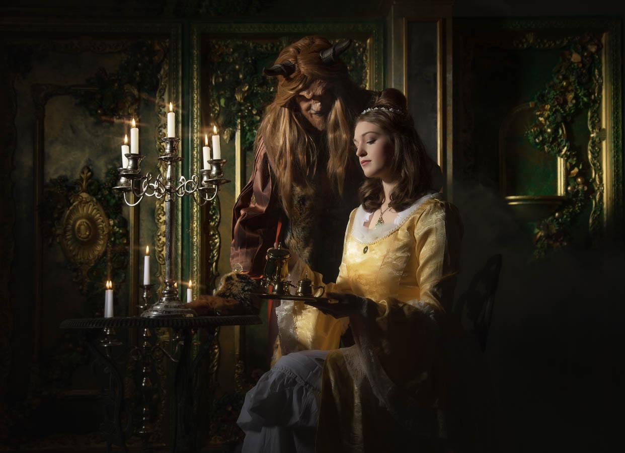 Fotostudio-Dresden-Beauty-Beast-Perücke-Kleid-Styling-Make up-Schmuck-Kerzen