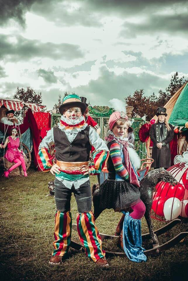 Fotograf-Fotostudio-Dresden-Zirkus-Kostüm-Shooting-Künstler-Kinder-Artisten-Clown-Vorstellung-Styling-Make up-Unterhaltung