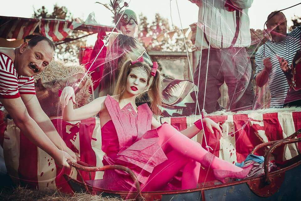 Fotograf-Fotostudio-Dresden-Zirkus-Shooting-Marionette-Künstler-Artisten-Clown-Vorstellung-Styling-Make up-Unterhaltung