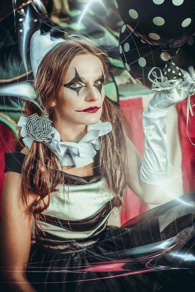 Fotograf-Fotostudio-Dresden-Zirkus-Kostüm-Shooting-Künstler-Artisten-Ballons-Clown-Vorstellung-Styling-Make up-Unterhaltung