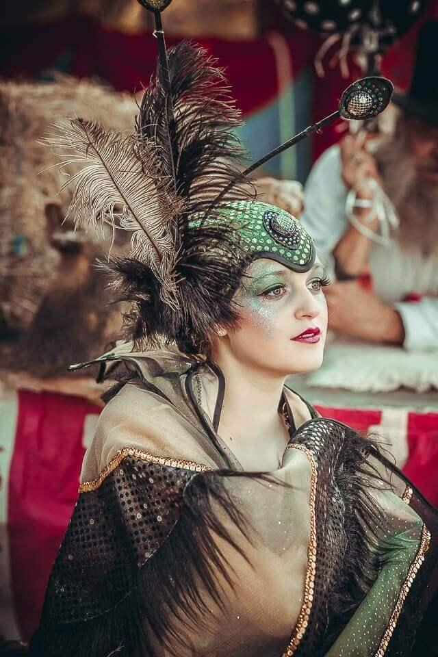 Fotograf-Fotostudio-Dresden-Zirkus-Kostüm-Shooting-Künstler-Artisten-Clown-Vorstellung-Styling-Make up-Unterhaltung