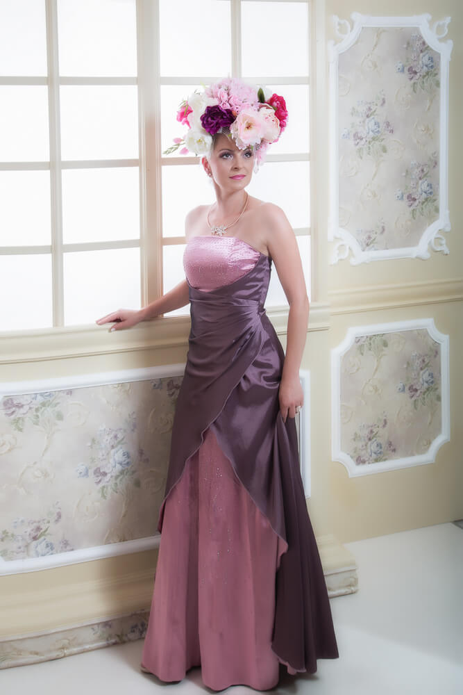 Fotograf-Fotostudio-Dresden-Barock-Dress-Styling-Design-Window-Make up-Dress-Kleid-Kopfschmuck-Blumen-Schmuck