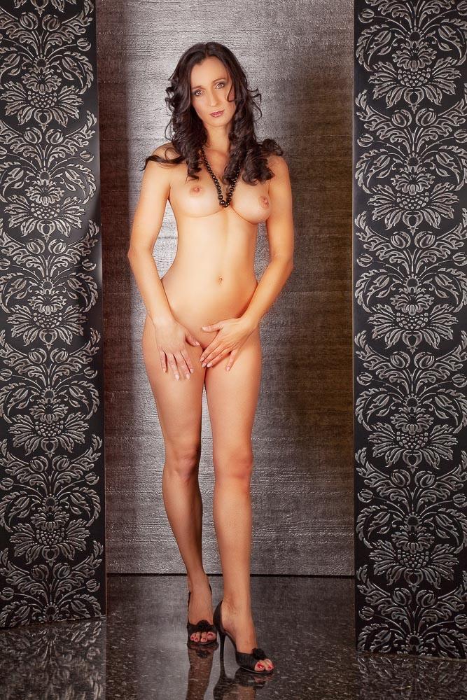 Fotograf-Fotostudio-Dresden-Erotik-Akt-Shooting-Styling-High Heels-Make up-Private