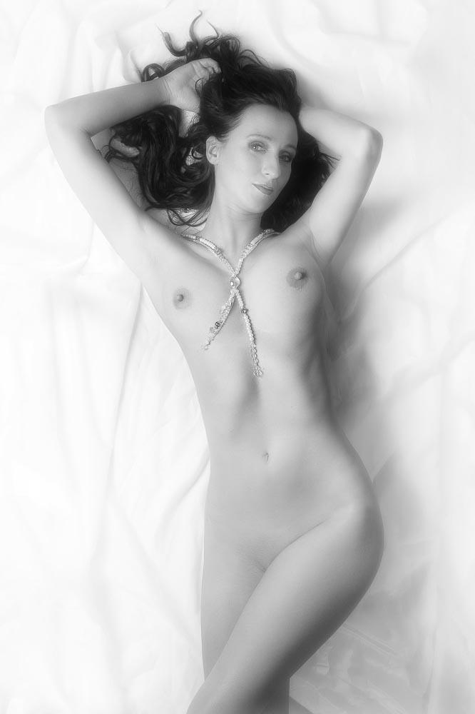 Fotograf-Fotostudio-Dresden-Erotik-Akt-Shooting-Styling-Bed-Make up-Private