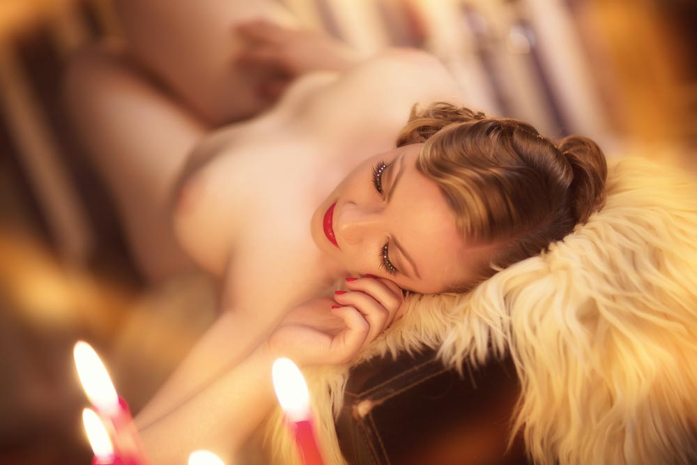 Fotograf-Fotostudio-Dresden-Erotik-Akt-Shooting-Styling-Kerzen-Candles-Make up-Private