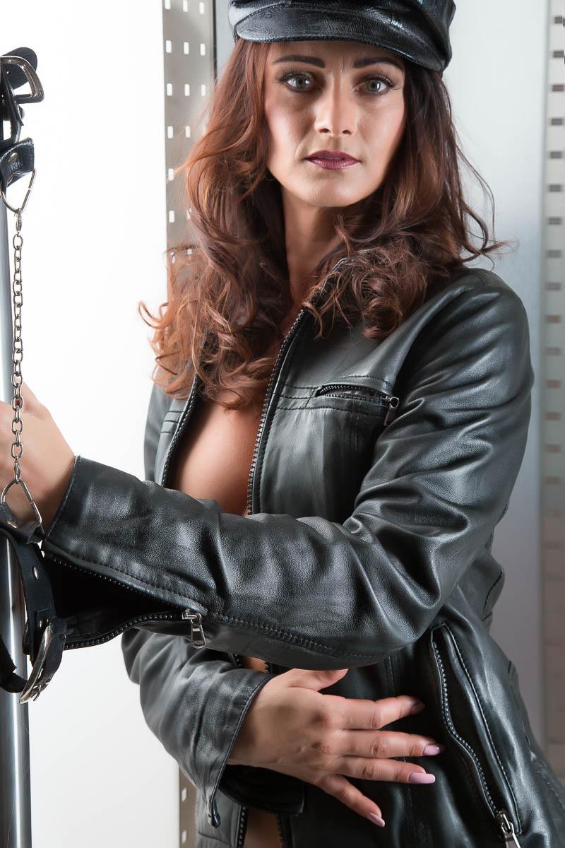 Fotostudio für erotische Bilder Leder