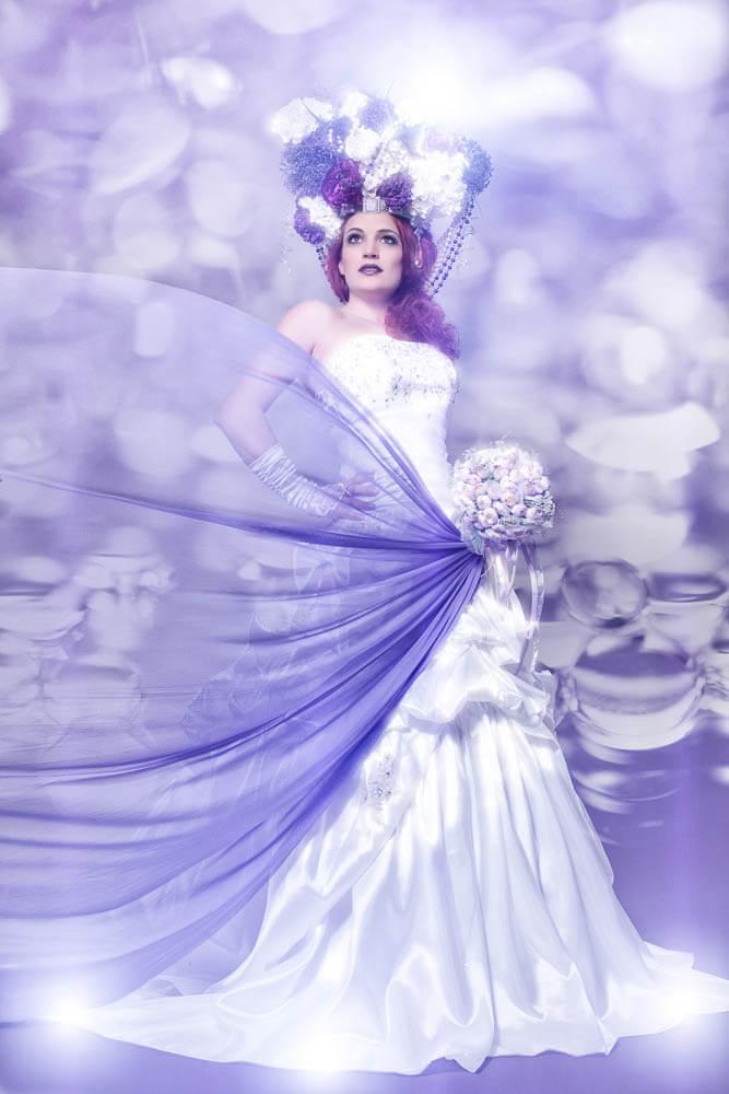 Vollportrait-Fotograf-Fotostudio-Dresden-Styling-Hochzeitskleid-Blumen-Kopfschmuck