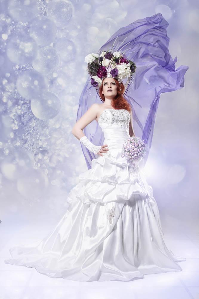 Vollportrait- Fotograf-Fotostudio-Dresden-Styling-Hochzeitskleid-Blumen-Kopfschmuck
