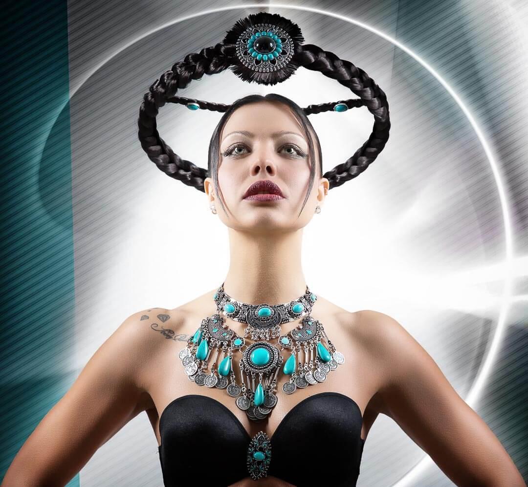 Fotograf-Fotostudio-Dresden-Haar-Design-Fantasie-Geometrie-Formen-Kopfschmuck-Styling-Make up-Asdruck