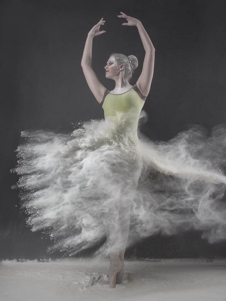 Fotograf-Fotostudio-Dresden-Mehl-Shooting-Pulver-Tanz-Ballerina-Body-Körper-Kunst-Make up